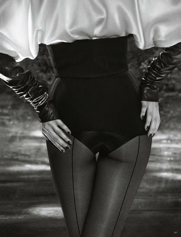 vanessa-axente-by-luigi-daniele-iango-for-vogue-germany-october-2013-1